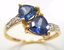 Tanzanit köves tömör 10k arany gyűrű gyémánttal