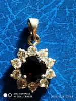 Cirkonia rubin köves medál