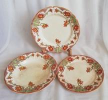 Sarreguemines Loti jelzett francia fajansz tányérok egyben (3 db)
