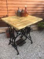 SINGER varrógép,állvány,asztal,kis asztal,virágtartó kertbe bárhova