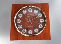 Retro orosz falióra szögletes óra