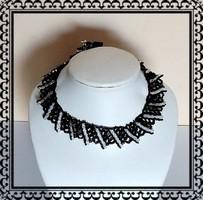 Gyöngyből fűzött  nyaklánc SL-GY08-1