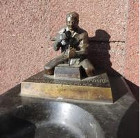 Nógrádverőce bronz szobor márvány alapon - hamutartó