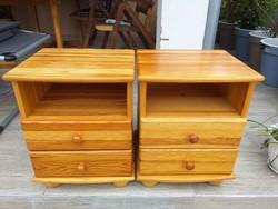Eladó 2 db CLAUDIA fenyő éjjeli szekrény  Bútor szép, újszerű állapotú, hibátlan.