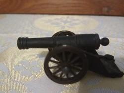 Kis fém ágyú makett játék