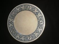 Zsolnay tányér, a korai korszakból