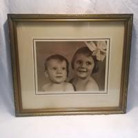 Üvegezett arany - fa képkeret fotóval falc 29x35 cm