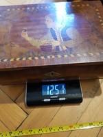 Tokaj, intarziás, öreg fadoboz, egész jó állapotban, méret, súly jelezve!