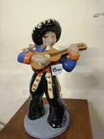 Komlós Kerámia Mexikói férfi gitárral.  Kézzel festett színes máz. Ritka! L- 15