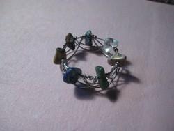Gyűrű  , szép kézi munka , ásvány kövekkel   ,18 mm a belseje