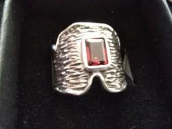 Csodás izraeli gránát köves ezüst gyűrű