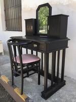 Különleges, mutatós íróasztal, pipere vagy fésülködő asztal székkel