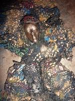 Csipkeruhás lány - ritkaság! színes fém dombormű falapon, 20x35 cm (relief, plasztikus, figurális)