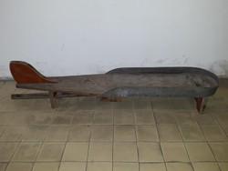 Antik Mid century lábon álló talán valamilyen gurítós játék