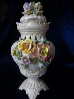 Nagy méretű Capodimonte fedeles váza