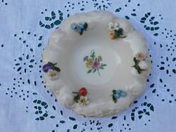 Kis porcelán tányér