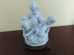 Porcelán angyalkák bronztalpon ( Capodimonte)