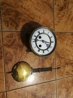 Rugós óra szerkezete, falióra tokhoz! Felesütős üti a dolgát, a fotón levő állapotban!
