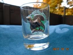 Ezüstözött fajdkakassal fémrátétes pohár