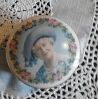 Angol porcelán ékszertartó doboz az anyakirálynő  portréjával