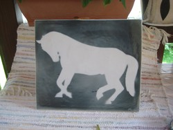 Lovas ,  nagy méretű , dísz csempe  , porcelán , szignózva  , a 60 as évekből  34,5 x 3o cm