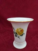 Antik meisseni porcelán sárga rózsás váza, magassága 17 cm.
