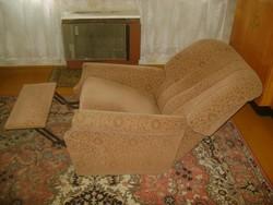 Régi, dönthető, lábtartós füles fotel, tévé néző fotel