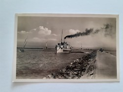 Régi hajós képeslap 1942 Siófok Balaton hajó a mólónál