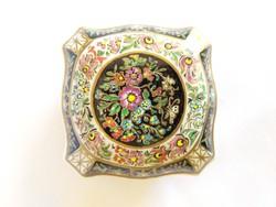 Zsolnay, Maca Virág mintáskézzel festett bonbonier