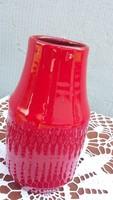 Piros porcelán váza