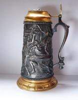 Különlegesség! 16.századi fedeles kupa másolata.