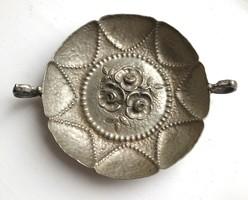 Ezüst füles tálka, virágmintás belső dekorral
