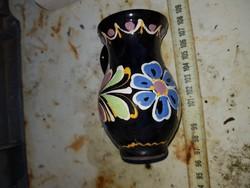 Kerámia kis váza, jelzett!