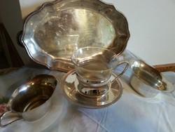 ezüst színnel teás vagy kávé kínáló