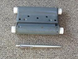 Szocialista szabványos lengőajtó pánt ajtópánt  tingli - tangli helyre ( sosem használt )