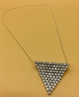 Csillogó ezüst collier