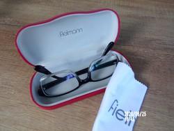 Fielmann szemüvegtok,törlőkendővel,szemüveggel