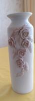 Nagy virágváza kiemelkedő, dombormintás rózsa rátétes kerámia váza, 32 cm magas