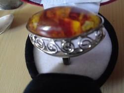 Borostyán köves régi gyűrű ( kő 30 mm)