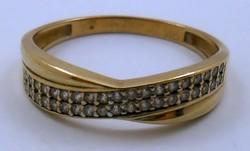 Aranygyűrű gyémánt kövekkel arany gyűrű 9 k