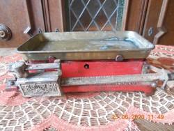 Salgotarjáni antik öntött vas mérleg, réz tálcával