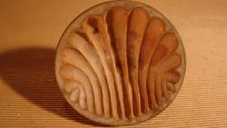 Antik vajforma, vajformázó; ( vaj forma ;)