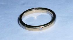 18 karát arany jegygyűrű karikagyűrű gyémánt kövekkel karika jegy gyűrű