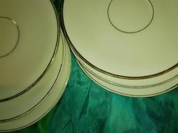 Sütis tányérok, csontszín alapon arany szélű...