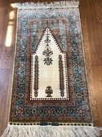 Kézzel csomózott selyem szőnyeg