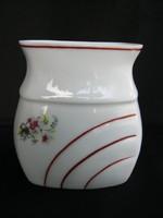 Porcelán fűszertartó