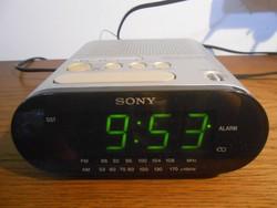 Sony ICF-C218 FM/AM ébresztőórás rádió