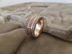 Széles arany gyűrű 3 sor brillel