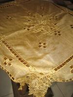 Csodaszép különleges azsúros óarany könnyű terítő asztalközép