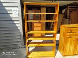 Eladó egy széles   fenyő polc.  Bútor szép állapotú.  Méterei: 96 cm x 29 cm x 180 cm.